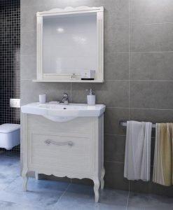 Ретро шкаф за баня от масив Диана 78